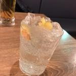 魚とワイン はなたれ onikai - 漬け込み酒(焼きリンゴ)