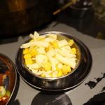 立喰☆焼肉 瑞園 - チーズコーン