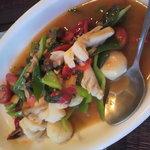 Neo Thai - 海鮮と野菜いため