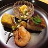 玄斎 - 料理写真:ナマコ 焼き穴子の棒寿司 煮た川津海老 田楽味噌を敷いた姫くわえの唐揚 鯛のふくさ焼
