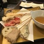 赤のれん - 天ぷら串の盛り合わせ