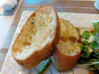 Caff'e Ponte ITALIANO - パンは「ガーリックバケット」をチョイス。ガーリックがいい香り。