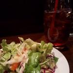 パスタバル MiKiYA's - ランチセットでサラダとアイスティを+♪
