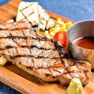 肉が旨い!博多駅での贅沢ディナーをお楽しみ頂けます!