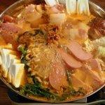 スタミナ御殿 - 暑くても食べたくなる軍隊鍋(プデチゲ)