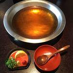 美々卯 - うどんすきの鍋