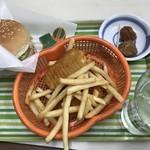 ロッキーバーガー フレンド  - 料理写真:これで350円