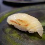 鮨 恵三 - 鮃の昆布〆