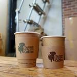 ザクリームオブザクロップコーヒー - ブレンドMとS、店内にて