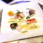 レストランヴィトラナゴヤ - タラバガニ ホタテ貝 ほうれん草、京にんじん、香草風味ソース