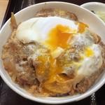 79679656 - 【料理】卵を割ると黄身がとろ〜り!!
