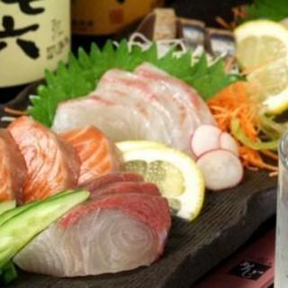 旬の新鮮な魚を使ったお刺身も絶品!