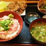 79680576 - ネギトロ丼まぐろから揚げ定食(1580円)