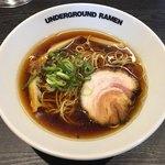 アンダーグラウンド ラーメン - 料理写真:「中華そば」830円