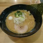 クリーミーTonkotsuラーメン 麺家 神明 - クリーミーとんこつ醤油ラーメン