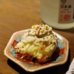 ぽんしゅや 三徳六味 - リンゴの白和えはじめて食った
