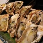 牡蠣屋うらら - 焼き牡蠣(ガーリックバター・和風)