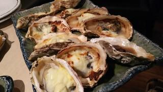 牡蠣屋うらら 聖蹟桜ヶ丘店 - 焼き牡蠣(グラタン・みそ)