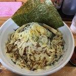 麺処なかがわ - コク辛ラーメン(黒)900円+チーズ100円