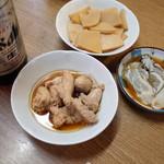 立飲み たきおか - タラコ煮、たけのこ、カキ酢