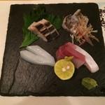 79699149 - 盛り合わせ(サワラ、太刀魚、モンゴイカ、ブリ)