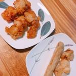 惣菜なかふじ - 左から  骨なし唐揚げ(100g110円)、軟骨入りつくね、ねぎま(各1本60円)