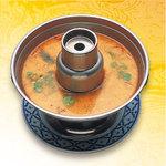 ナムチャイ 岡崎 - 料理写真:世界の三大スープのひとつ言われるトムヤムクン。甘味・酸味・甘みの調和したナムチャイ人気№1のスープです。
