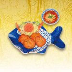 ナムチャイ 岡崎 - タイ風さつまあげ。お好みでナムチャイ特製の自家製ダレをつけてお召し上がりください。