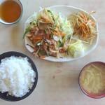 やまびこ支店 - スタミナ定食(上から)