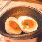 79706267 - お通し  煮卵