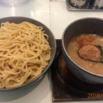 麺屋 轍 - 料理写真:極太つけ麺300 豚骨