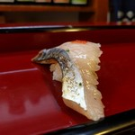 菅生寿司 - 料理写真:鯖。菅生寿司の鯖を食べなきゃ人生、損をしますw ネタが大きい!! 今まで食べた鯖の握りの中でトップに踊り出た鯖。