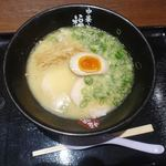 金澤味噌ラーメン 神仙 - こちらは福味というお店 鶏白湯ラーメン 850円