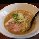 東京スタイル鶏らーめん ど・みそ鶏 - 鶏ゅ白湯醤油らーめん(780円、斜め上から)