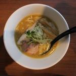 東京スタイル鶏らーめん ど・みそ鶏 - 鶏ゅ白湯醤油らーめん(780円、真上から)