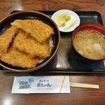 とんかつ政ちゃん - 並かつ丼 1,048円+味噌汁 184円