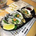 79717761 - 三重県産の生牡蠣ぷりぷり