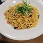 カフェレストラン・エミリオ - 青森県産黒にんにくとベーコンのペペロンチーノ