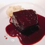 ラ キュイジーヌ ド カワムラ - 和牛頬肉のワイン煮込み様