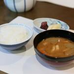 貴与次郎 - 汁・飯・香の物