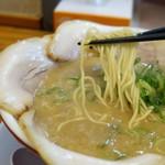 中華そば殿 - 麺リフト
