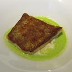 パトゥ - 魚料理~赤舌平目 ジャガイモ ディルとアニスという名のハーブのソース