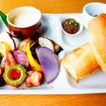 79725652 - 島野菜と島ベーコンのゴルゴンゾーラフォンデュ
