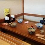讃岐うどん 木乃屋 - テーブル席の様子