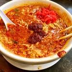 麺's 共和国 - 豆板醤、紅生姜もたっぷりね^ ^