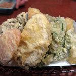 山一屋 - 野菜天ぷら 525円