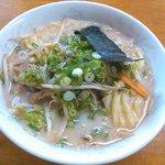博多とんこつ 大晃ラーメン - 野菜チャーシューメン ¥1060