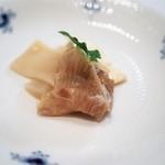 龍圓 - 魚介類とモッツァレラチーズの老酒漬け