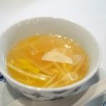 龍圓 - 筍の穂先 椎茸 フカヒレのスープ