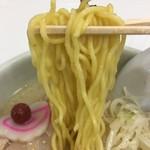 らーめん山頭火 - 中細ちぢれ麺